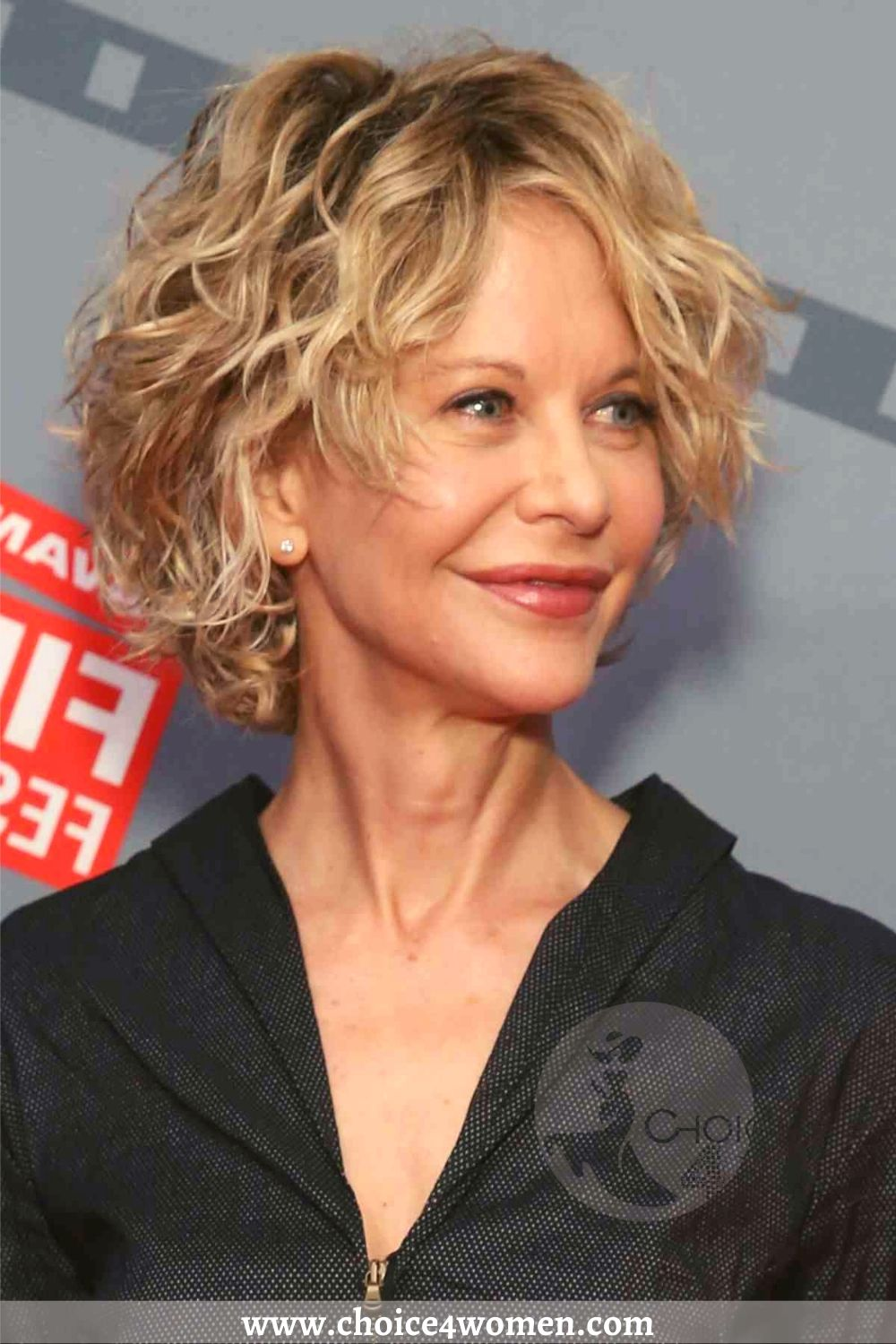 15 Hottest Short Hairstyles For Women Over 50 To Look Younger