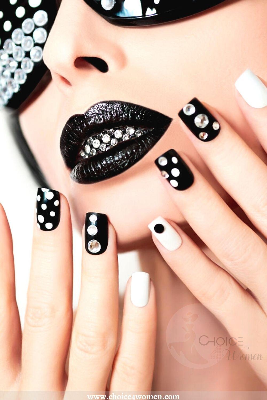 black creative nails